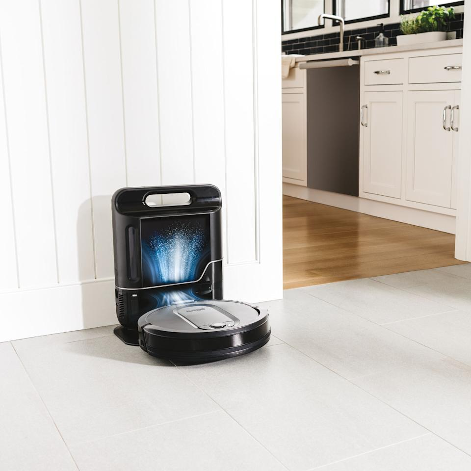 This Shark Robot Vacuum comes straight from the future. (Photo: Walmart)