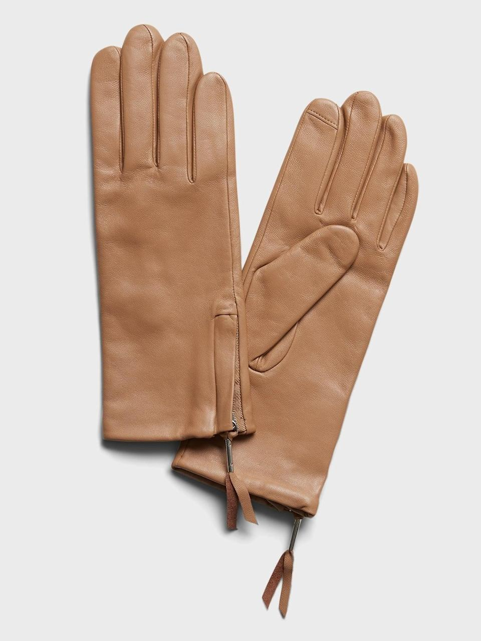 <p>These warm <span>Banana Republic Leather Gloves</span> ($46, originally $78) have a touchscreen-ready tip on the index fingers. </p>