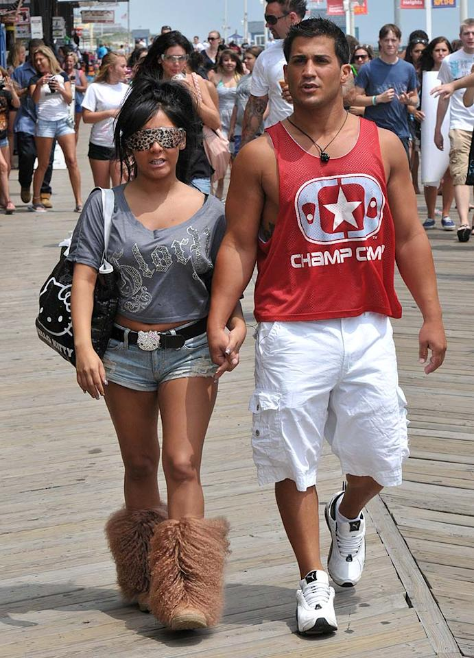 """Fellow animal print fan Nicole """"Snooki"""" Polizzi showed off her boyfriend, Jionni LaValle, and her lack of style (and perhaps her lack of self-respect) while taping an upcoming episode of """"Jersey Shore"""" in Seaside Heights, New Jersey. Brandon Todd/<a href=""""http://www.splashnewsonline.com"""" target=""""new"""">Splash News</a> - June 28, 2011"""