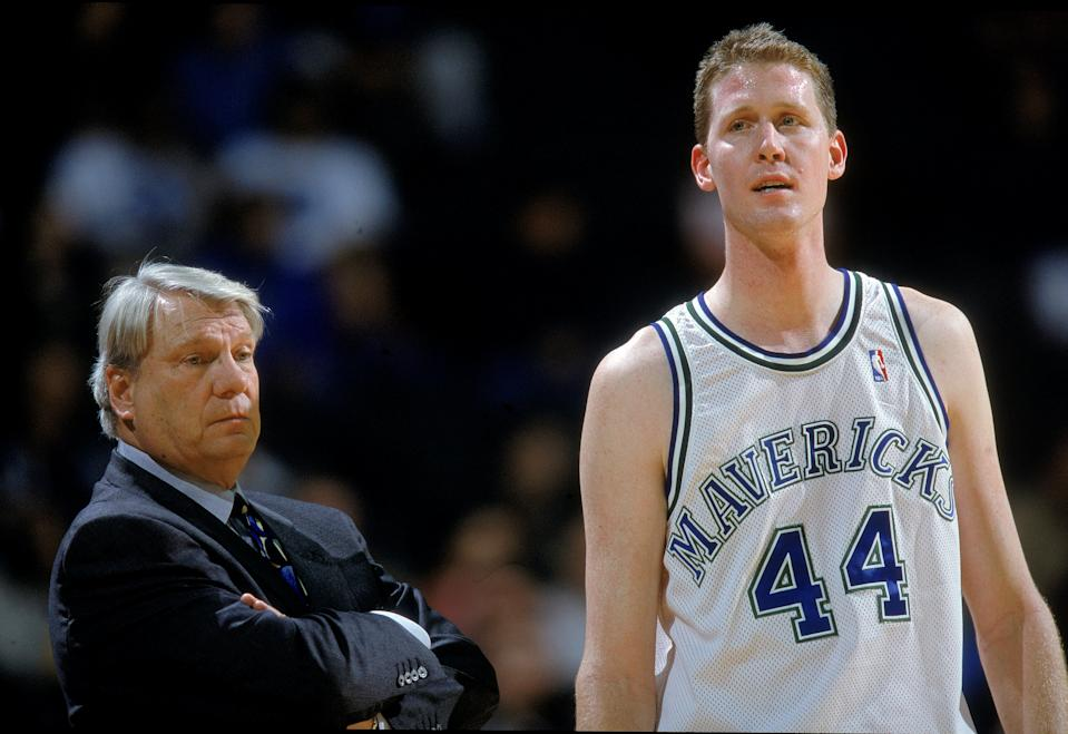 20 Dec 2000:  Shawn Bradley #44 of the Dallas Mavericks walks on the court as Head Coach Don Nelson looks on during the game against the Portland Trail Blazers at the Reunion Arena in Dallas, Texas. The Mavericks defeated the Trail Blazers 106-101.  NOTE TO USER: It is expressly understood that the only rights Allsport are offering to license in this Photograph are one-time, non-exclusive editorial rights. No advertising or commercial uses of any kind may be made of Allsport photos. User acknowledges that it is aware that Allsport is an editorial sports agency and that NO RELEASES OF ANY TYPE ARE OBTAINED from the subjects contained in the photographs.Mandatory Credit: Ronald Martinez  /Allsport