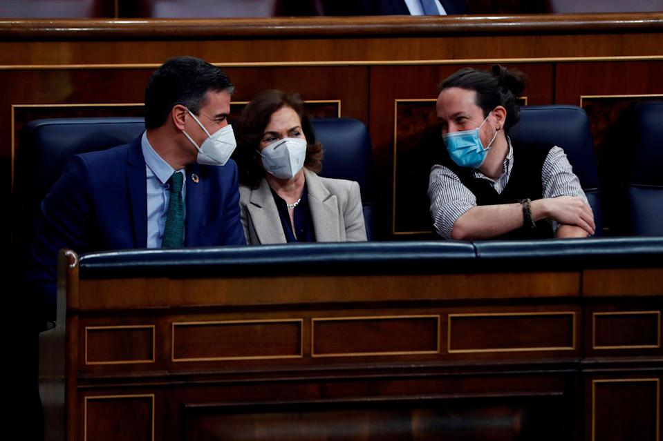 Sánchez, Calvo e Iglesias (Photo: EFE)