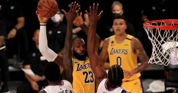 Basket - NBA - NBA : les Lakers dominent les Clippers grâce à un LeBron James patron en fin de match