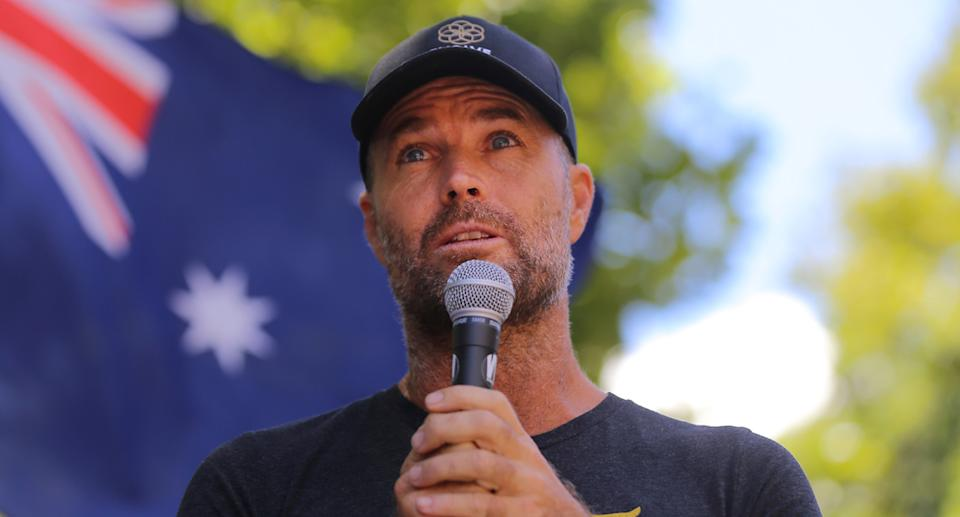 Pete Evans addressed the crowd, telling them he hoped to represent them in parliament. Source: AAP