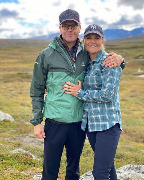"""<p>Princess Victoria may be heir to the Swedish throne, but this mother of two knows the value of a baseball cap for summer days spent outdoors. Go Yankees!</p> <p><strong>Buy It! New York Yankees Baseball Cap, <a href=""""https://www.mlbshop.com/new-york-yankees/womens-new-york-yankees-new-era-navy-core-classic-twill-team-color-9twenty-adjustable-hat/t-25554354+p-2410116555103+z-9-2219232519?_ref=p-GALP:m-GRID:i-r2c2:po-8"""" rel=""""nofollow noopener"""" target=""""_blank"""" data-ylk=""""slk:$25"""" class=""""link rapid-noclick-resp"""">$25</a></strong></p> <p><strong>Get the Look!<br></strong><strong>Athleta Kinetic Baseball Cap, <a href=""""https://gap.igs4ds.net/c/249354/383280/5556?subId1=PEO18RegalMothersDayGiftsInspiredbyRealLifeRoyalMomspetitsRoyGal12686606202105I&u=https%3A%2F%2Fathleta.gap.com%2Fbrowse%2Fproduct.do%3Fpid%3D656895002%23pdp-page-content&subId3=xid:fr1622666041719dcd"""" rel=""""sponsored noopener"""" target=""""_blank"""" data-ylk=""""slk:$32"""" class=""""link rapid-noclick-resp"""">$32</a></strong><strong><br></strong><b>New Era Yankees Cap, <a href=""""https://www.selfridges.com/US/en/cat/new-era-9forty-flawless-new-york-yankees-canvas-baseball-cap_R03655984/"""" rel=""""sponsored noopener"""" target=""""_blank"""" data-ylk=""""slk:$20"""" class=""""link rapid-noclick-resp"""">$20</a><br></b><strong>H&M Cotton Twill Cap, <a href=""""https://click.linksynergy.com/deeplink?id=93xLBvPhAeE&mid=43148&murl=https%3A%2F%2Fwww2.hm.com%2Fen_us%2Fproductpage.0710695029.html&u1=PEO18RegalMothersDayGiftsInspiredbyRealLifeRoyalMomspetitsRoyGal12686606202105I