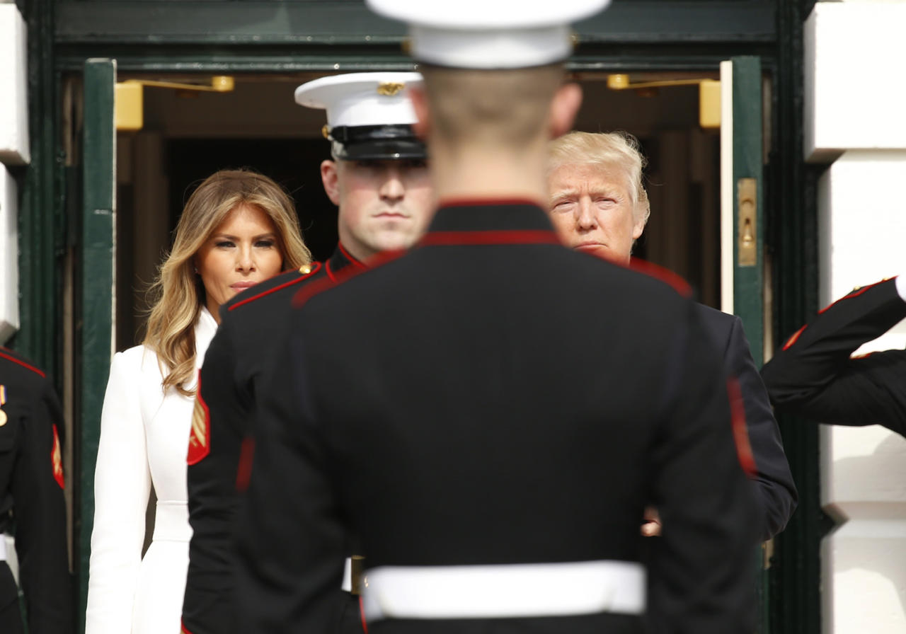 <p>U.S. President Donald Trump (R) and first lady Melania Trump await the arrival of Israeli Prime Minister Benjamin Netanyahu and his wife Sara at the South Portico of the White House in Washington, D.C., Feb. 15, 2017. (Photo: Kevin Lamarque/Reuters) </p>