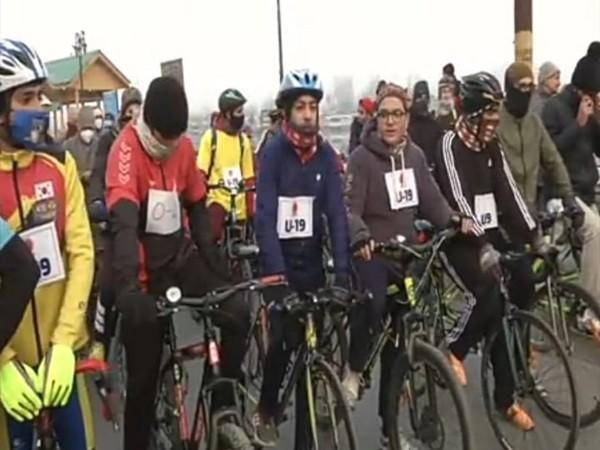 Fit India Cyclothon 2020 in Srinagar on Saturday. (Photo/ANI)
