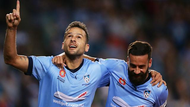 Premiers Sydney FC and Western Sydney Wanderers were the winning sides in Saturday's A-League action.