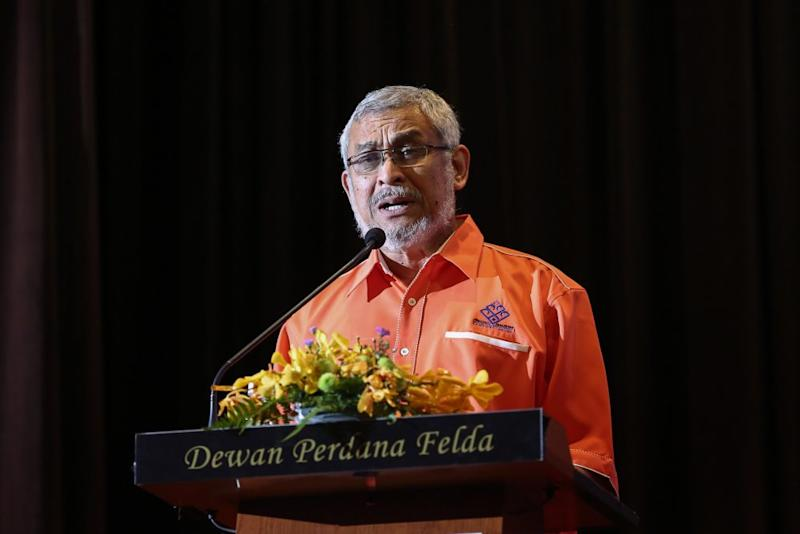 Federal Territories Minister Khalid Samad speaks during a townhall session with Kampung Baru landowners in Kuala Lumpur September 21, 2019. ― Picture by Yusof Mat Isa