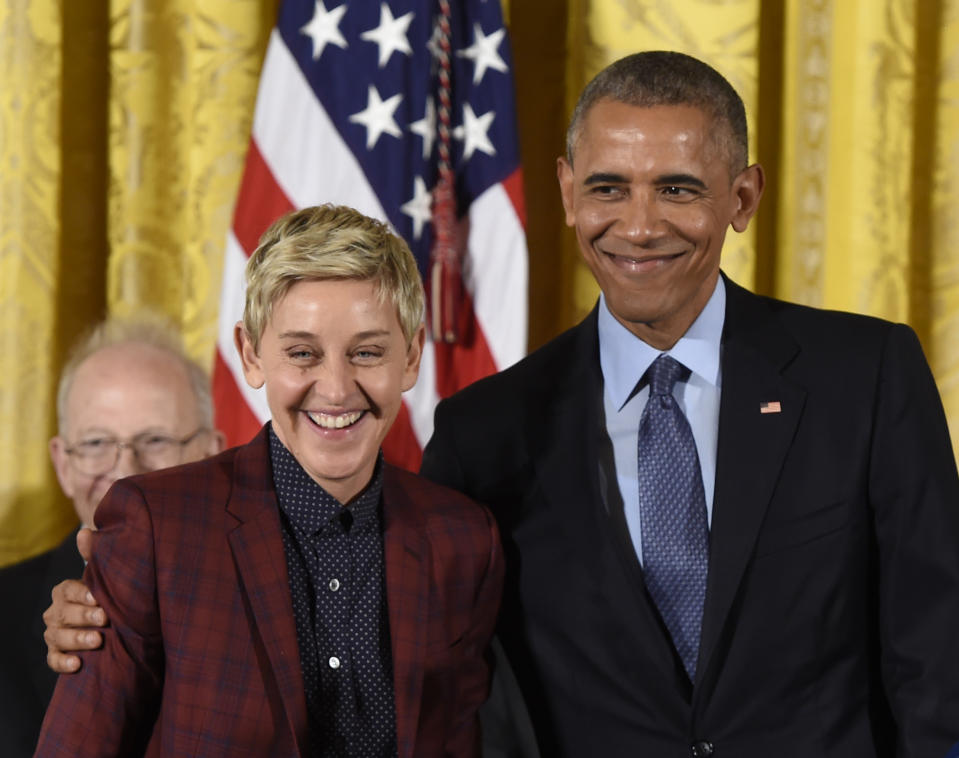 US President Barack Obama presents actress and comedian Ellen DeGeneres with the Presidential Medal of Freedom, the nation's highest civilian honor, during a ceremony honoring 21 recipients, in the East Room of the White House in Washington, DC, November 22, 2016. / AFP / SAUL LOEB        (Photo credit should read SAUL LOEB/AFP via Getty Images)