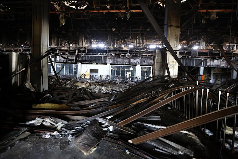 A picture taken on August 26, 2014 shows the damaged interior of the main building at Tripoli international airport (AFP Photo/Mahmud Turkia)