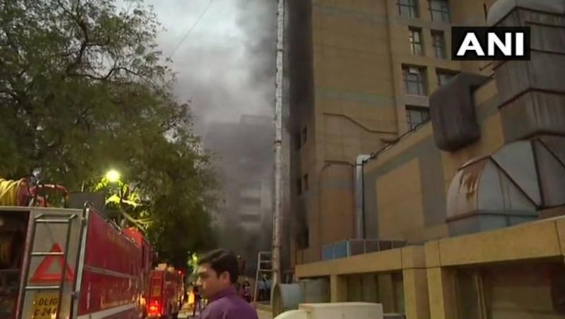 Fire at AIIMS Trauma Center: Blaze Erupts At Operation Theatre of Government Building In Delhi