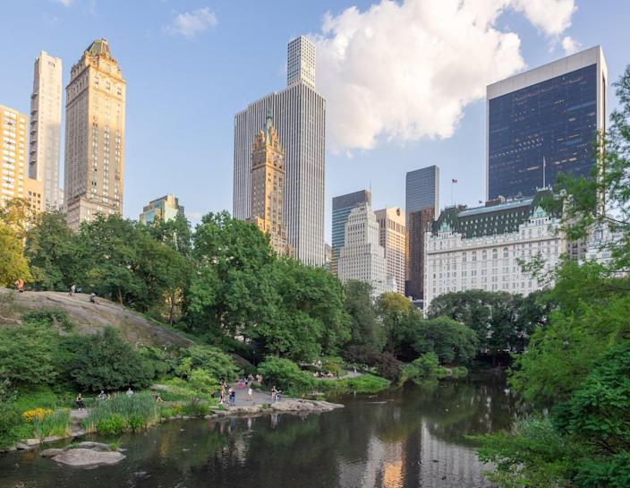 """<span class=""""caption"""">Looking south from New York City's Central Park.</span> <span class=""""attribution""""><a class=""""link rapid-noclick-resp"""" href=""""https://upload.wikimedia.org/wikipedia/commons/1/13/Central_Park_-_The_Pond_%2848377220157%29.jpg"""" rel=""""nofollow noopener"""" target=""""_blank"""" data-ylk=""""slk:Ajay Suresh/Wikipedia"""">Ajay Suresh/Wikipedia</a>, <a class=""""link rapid-noclick-resp"""" href=""""http://creativecommons.org/licenses/by/4.0/"""" rel=""""nofollow noopener"""" target=""""_blank"""" data-ylk=""""slk:CC BY"""">CC BY</a></span>"""