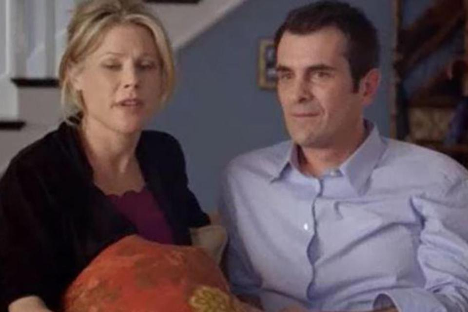 <p>The <em>Modern Family </em>star was actually eight and a half months pregnant while filming the pilot episode of <em>Modern Family</em>! They hid her bump with pillows, laundry baskets and camera angles. </p>