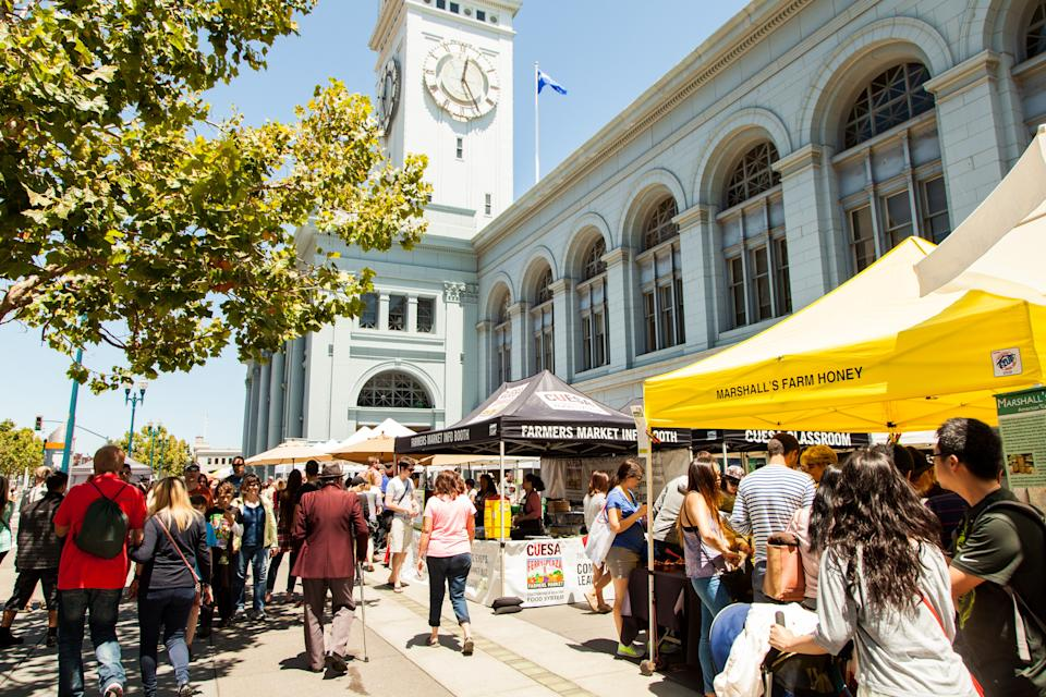 "<div class=""caption"">The farmers' market at the Ferry Building Marketplace in San Francisco</div><cite class=""credit"">Amanda Lynn</cite>"