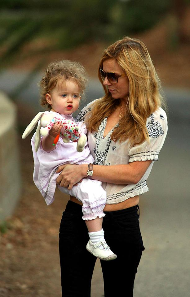 "Geri Halliwell takes a break from rehearsing for the Spice Girls reunion tour to spend some time with daughter Bluebell Madonna. Bluebell's got quite the head of hair! <a href=""http://www.splashnewsonline.com"" target=""new"">Splash News</a> - November 4, 2007"