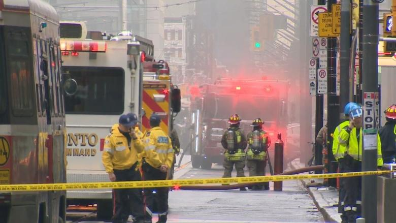 Explosion from hydro vault filled heart of Toronto's business district with smoke, shouts
