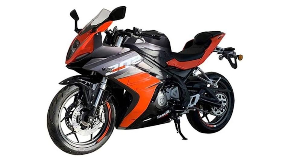 Image of 2022 Benelli 302R motorcycle surfaces ahead of launch