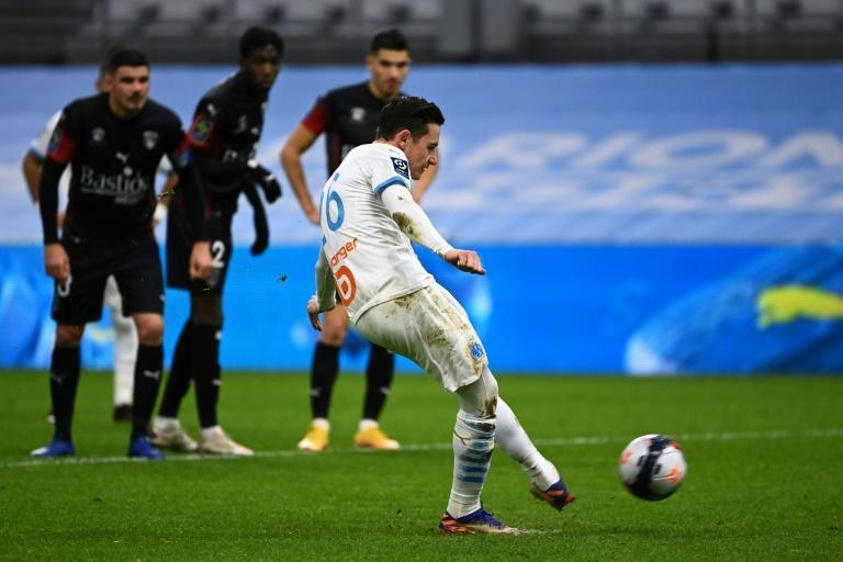 Florian Thauvin takes and misses a penalty in Marseille's defeat to Nimes
