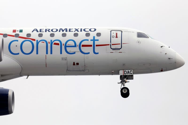 Mexican government rejects airline rescues but says open to offering help