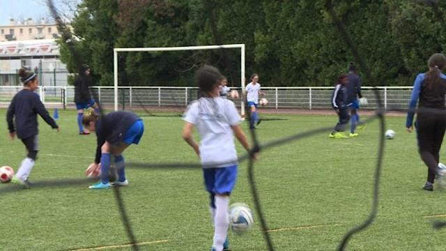 The city of Grenoble in France is encouraging girls with a passion for the beautiful game, by offering them free soccer school.