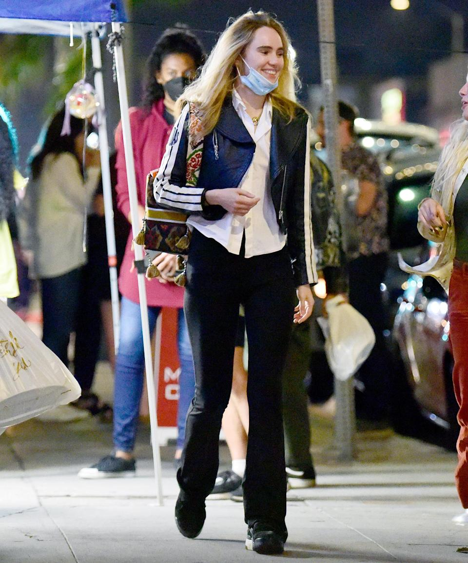 <p>Suki Waterhouse steps out in Los Angeles with friends on Aug. 29.</p>
