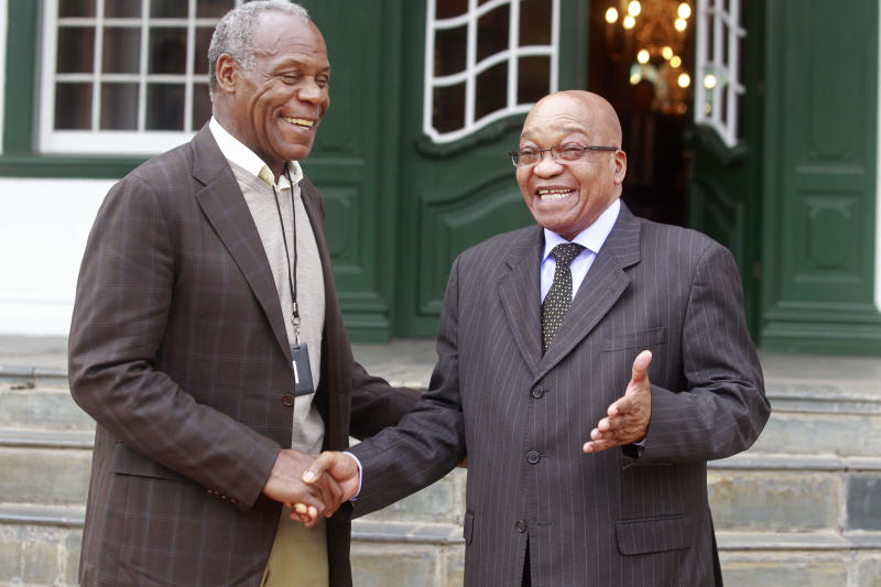 Danny Glover joins protest in South Africa