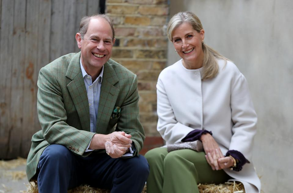 LONDON, ENGLAND - OCTOBER 01: Prince Edward, Earl of Wessex and Sophie, Countess of Wessex at Vauxhall City Farm on October 01, 2020 in London, England. Their Royal Highnesses see the farm's community engagement and education programmes in action, as the farm marks the start of Black History Month.  (Photo by Chris Jackson/- WPA Pool/Getty Images)