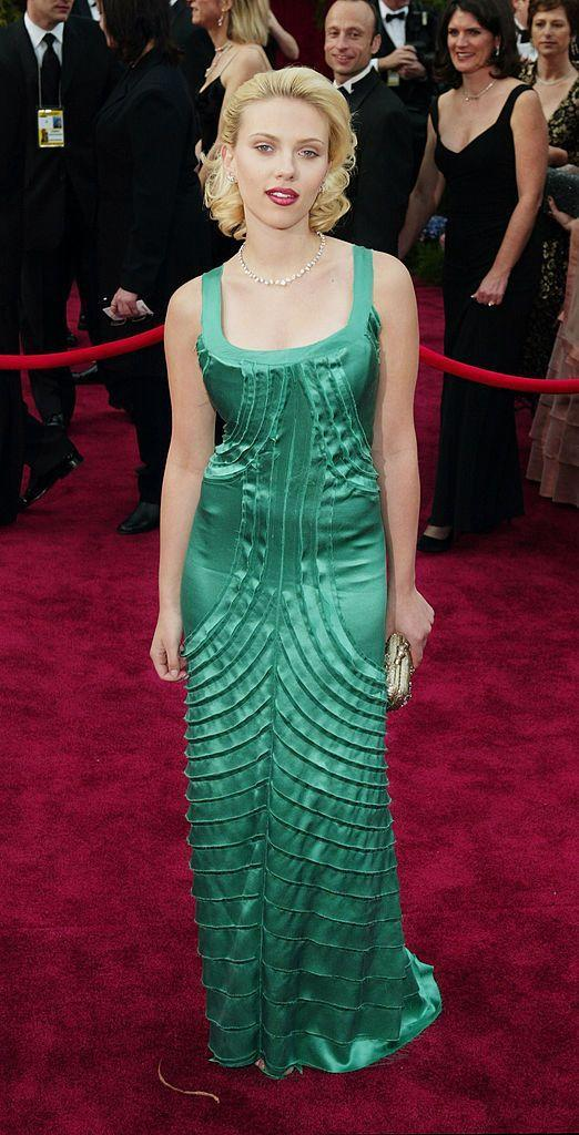 <p>This year's Best Actress contender wore a green Alberta Ferretti gown to her first Oscars in 2004.</p>