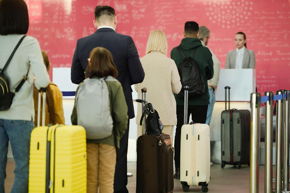 Sometimes airlines are so desperate to unload passengers that they resort to bribery to bump passengers at the gate. (Photo: Getty)