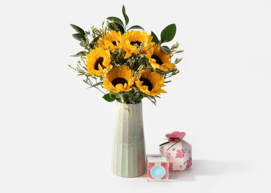 <p>This <span>Urbanstems The Helaine</span> ($75) bouquet is so sunny and a perfect gift, especially coupled with candy!</p>