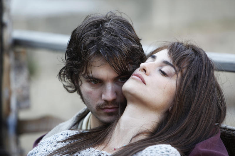 "This photo released by Entertainment One Films US shows, Emile Hirsch, left, as Diego, and Penelope Cruz, as Gemma, in the film, ""Twice Born."" (AP Photo/Copyright Entertainment One Films US)"