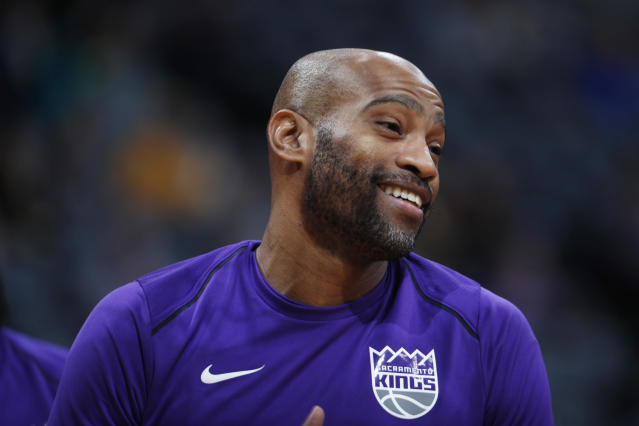 "<a class=""link rapid-noclick-resp"" href=""/nba/players/3248/"" data-ylk=""slk:Vince Carter"">Vince Carter</a> is staring into his NBA twilight and fondly remembers his years as a Toronto Raptor. (AP)"