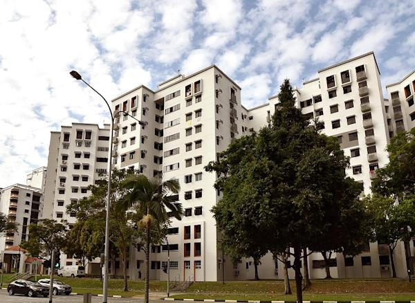 HDB flats at Woodlands Drive