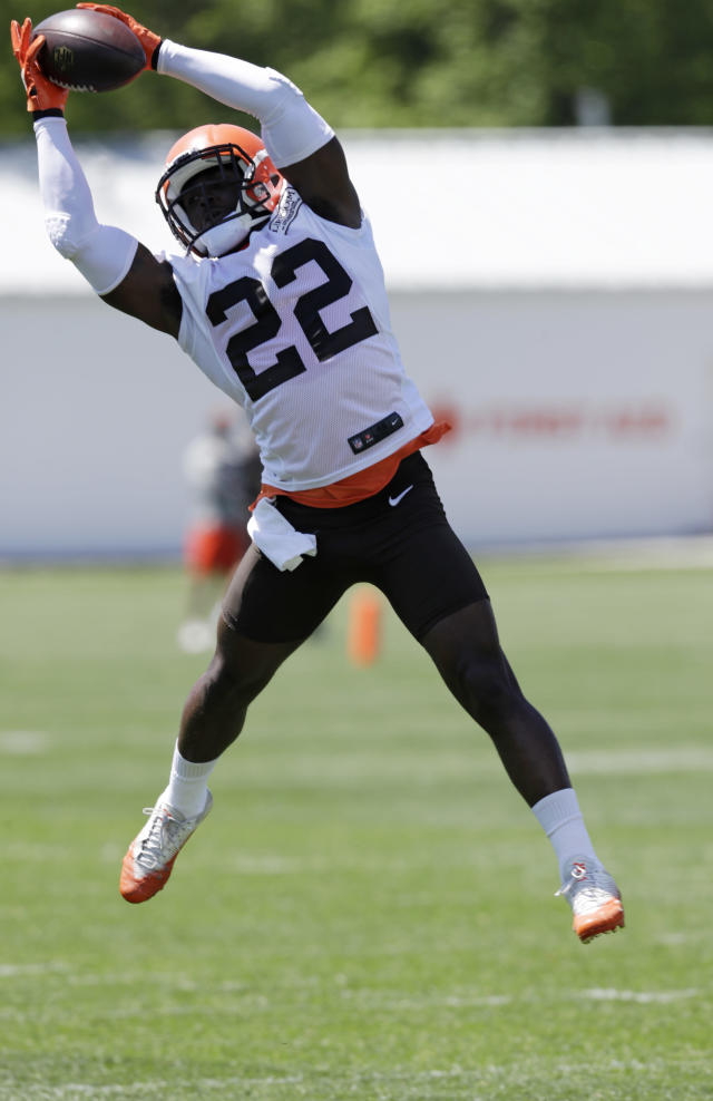 Cleveland Browns defensive back Jabrill Peppers reaches to catch a pass during a practice at the NFL football team's training camp facility, Wednesday, May 23, 2018, in Berea, Ohio. (AP Photo/Tony Dejak)