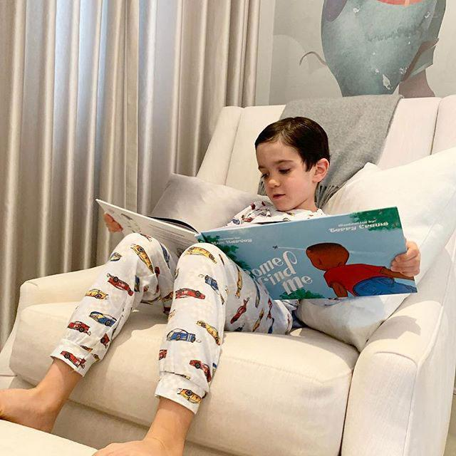 eric-cowell-reading-a-book