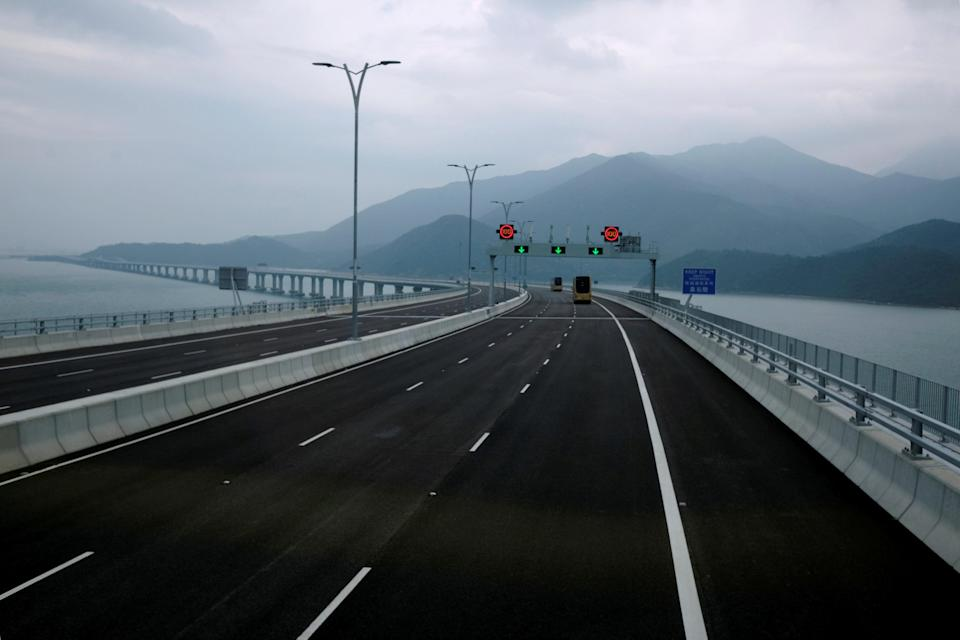 <p>The bridge has been beset by delays and was scheduled to open in October 2016. (REUTERS/Bobby Yip) </p>