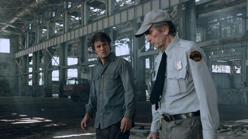 <p>The actor pops up in a comedic cameo as a gobsmacked security guard who can't believe his eyes when the Hulk falls out of the sky and transforms into Bruce Banner (Mark Ruffalo).<br /><br />(Photo: Disney) </p>