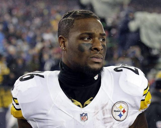 Le'Veon Bell was a no-show at Steelers minicamp, as he hasn't signed his franchise tag. (AP)