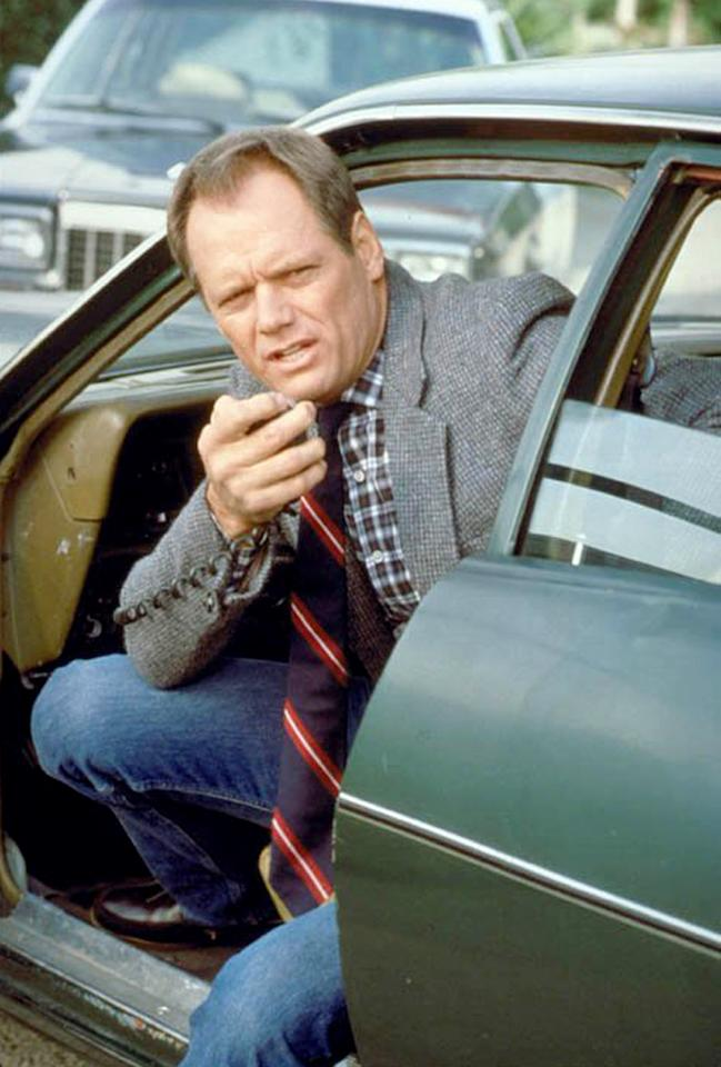 """<strong>BEST:</strong> Fred Dryer, """"<a href=""""http://tv.yahoo.com/hunter/show/31164/"""">Hunter</a>""""<br><br>   The towering California native (he stands 6-foot-6) played 13 seasons in the NFL, starring at defensive end for the L.A. Rams and racking up more than a hundred sacks. And he went straight from tackling quarterbacks to tackling TV scripts: Dryer actually came close to playing Sam Malone on """"<a href=""""http://tv.yahoo.com/cheers/show/46"""">Cheers</a>"""" (he later guest starred on the show) before landing his signature role as droll lawman Rick Hunter on NBC's 1984-91 cop drama """"Hunter."""" Sure, Dryer's athleticism made him perfect for chasing crooks across rooftops, but his rapid rise to TV stardom is still surprising. Can you imagine, say, Jared Allen hanging up his helmet and playing a redneck sheriff for a seven-season run on CBS? Actually, never mind: We can totally see that."""