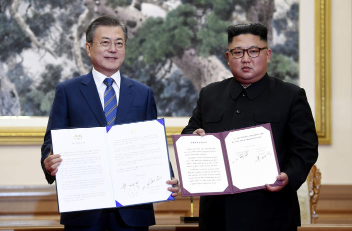 Kim and Moon, the Korean leaders (AP)