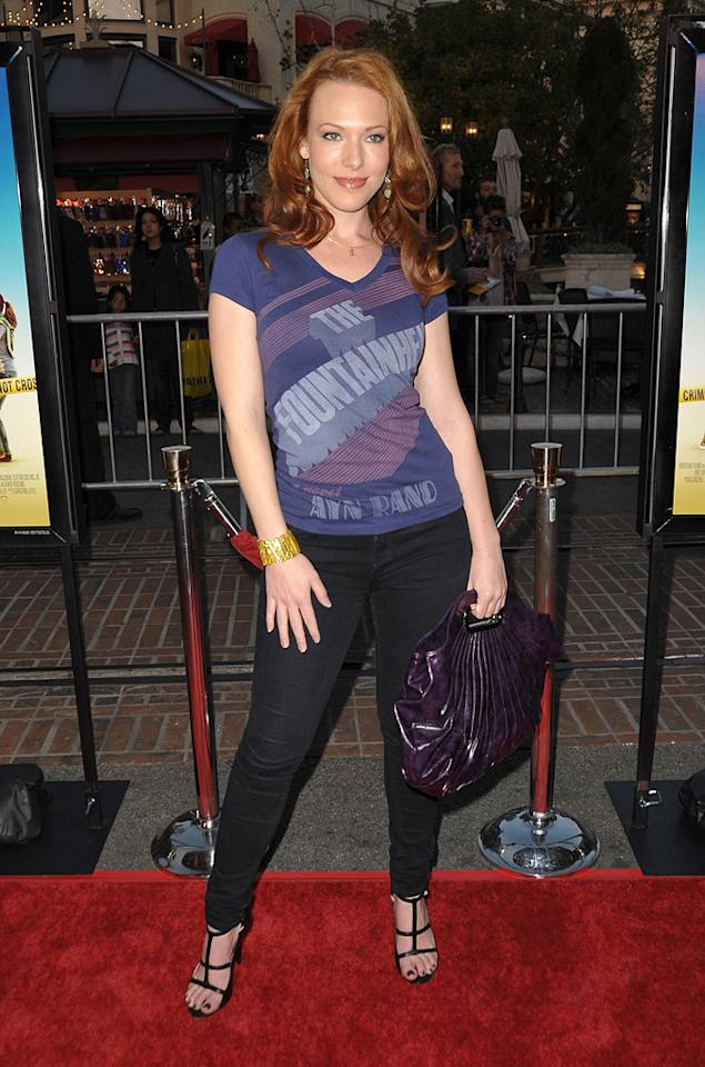"<a href=""http://movies.yahoo.com/movie/contributor/1808764865"">Erin Cummings</a> at the Los Angeles premiere of <a href=""http://movies.yahoo.com/movie/1809823943/info"">Sunshine Cleaning</a> - 03/09/2009"