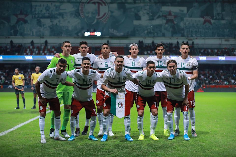 TOLUCA, MEXICO - NOVEMBER 19: Players of Mexico pose for a photo during the match between Mexico and Bermuda as part of the Concacaf Nation League at Nemesio Diez Stadium on November 19, 2019 in Toluca, Mexico. (Photo by Manuel Velasquez/Getty Images)
