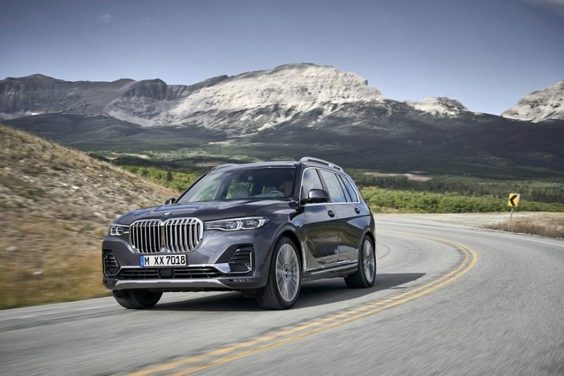 BMW X7 Seven-Seater Luxury SUV Unveiled