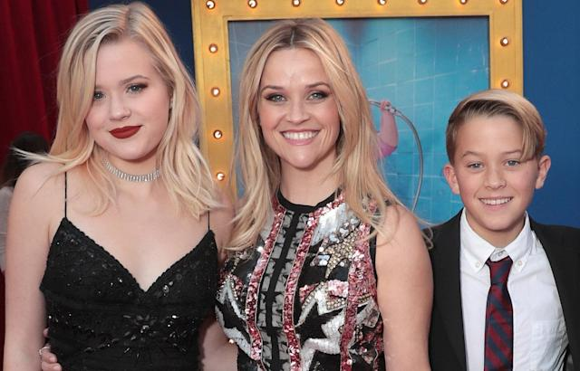 Reese Witherspoon with Ava and Deacon Phillippe, at the premiere of Universal Pictures' <em>Sing</em> on Dec. 3, 2016, in Los Angeles. (Photo: Todd Williamson/Getty Images)