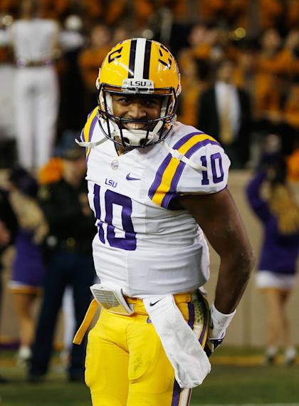 COLLEGE STATION, TX - NOVEMBER 27: Anthony Jennings #10 of the LSU Tigers celebrates a touchdown pass in the first half of their game against the Texas A&M Aggies at Kyle Field on November 27, 2014 in College Station, Texas. (Photo by Scott Halleran/Getty Images)