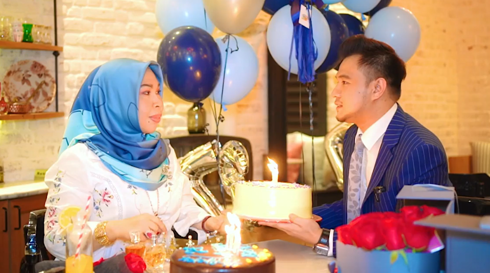 Cik B was surprised to see her mother dating someone way younger for real. — Picture via Ahmad Iqbal Zulkifli Instagram Account