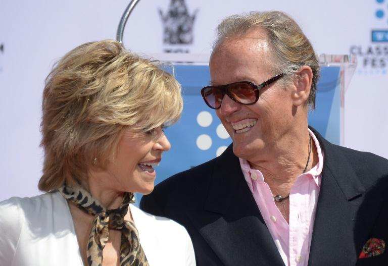 Peter Fonda appears with his sister Jane Fonda at the TCL Chinese Theatre in Los Angeles in April 2013 (AFP Photo/Joe KLAMAR)