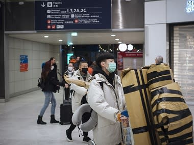 China cuts transportation links to, from Wuhan as coronavirus toll rises to 81; Japan, US, France arrange chartered flights to evacuate nationals