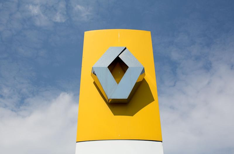 Renault Looks to Cut Costs After Slashing Dividend, Posting Loss
