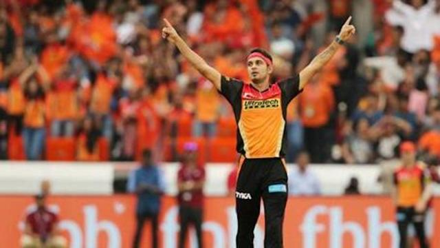 Sunrisers Hyderabad stunned Mumbai Indians at the Wankhede in match number 23 of 2018 Indian Premier League (IPL). After managing to score a paltry 118/10, SRH rode through an impressive bowling show to decimate Mumbai at their own backyard. Apart from Suryakumar Yadav's 34, none of the others showed much character. Here is the winner and sinner of the match.